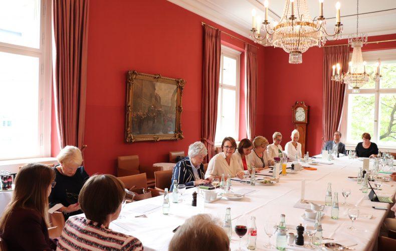 Besuch bei der Gruppe der Frauen der CDU/CSU-Bundestagsfraktion