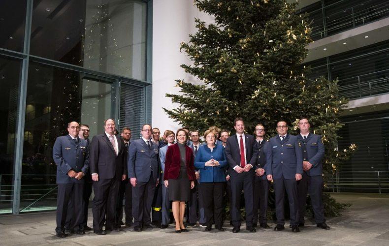 Weihnachtsbaum für das Bundeskanzleramt