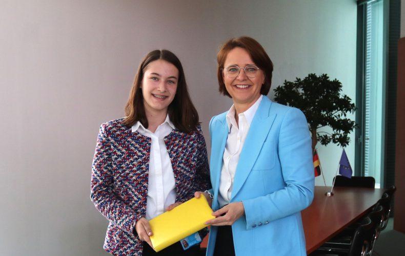 Widmann-Mauz ermöglicht USA-Aufenthalt – Schülerin aus Rottenburg freut sich über PPP-Stipendium